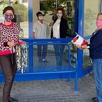 Ratsfrau Martina Stecker und Sarah Philipp: Spende von Atemschutzmasken an das Johanniter-Stift in Neudorf